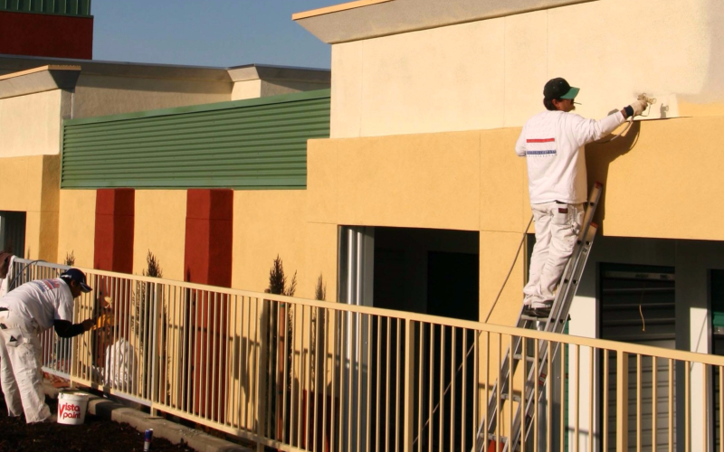 5 Questions To Ask Before You Hire A Commercial Painter